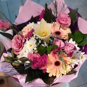 זר פרחים מרהיב - משלוח עד הבית